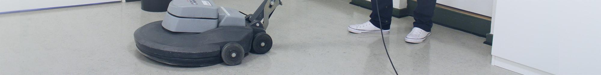Polering af gulv i nystartet rengøringsvirksomhed